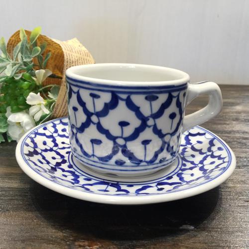 パイナップル柄の陶器のカップ ソーサー 大 です コーヒーカップ青白陶器青白食器パイナップル柄陶器 小鉢タイ料理アジアン料理タイ雑貨 お歳暮 カップ 期間限定お試し価格