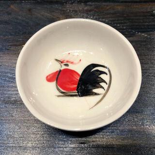 タイの食堂や屋台でお馴染み にわとり柄 の食器 丸形の小皿です お買い得品 にわとり食器 小皿 にわとり陶器にわとり食器にわとり柄タイ料理アジアン料理タイ雑貨 丸形 低価格 小鉢 7.5cm