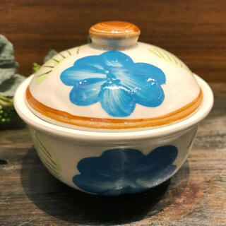 タイの食堂や屋台でお馴染み 待望 にわとり柄 の蓋付きお椀 安心の定価販売 13.5cm 青花です にわとり食器 青花 蓋付きお椀 蓋付きにわとり陶器にわとり食器にわとり柄タイ料理アジアン料理タイ雑貨