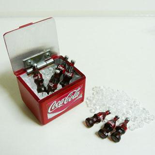 ミニチュアのコーラ 特別セール品 BOX 氷付き 市場 です コーラ BOX付 ミニチュア コーラミニチュア雑貨タイ雑貨アジアン雑貨