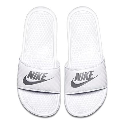 Nike(나이키) 위멘즈베낫시(102:화이트/메탈릭 실버)
