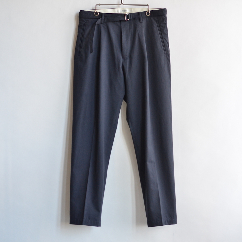 tilt the authentics Belted 1Tuck Light Trousers