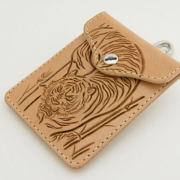 金具 糸まで国産 LeatherWorks CHAOS レザーワークスカオス バリーキング重ね彫り [カービング]トラ 和柄 深彫り猛虎[和彫り]多機能 携帯灰皿アシュケース 携帯小銭入れ コインケース