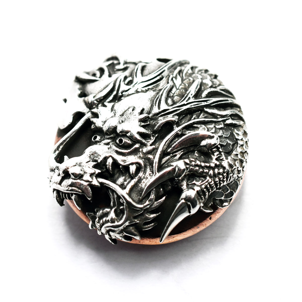 和柄コンチョ ウォレット カスタムパーツ シルバーコンチョ 浮世絵 昇龍 昇竜コンチョ 和彫り龍 ボタン ドラゴン コンチョ カッパー 贈物 和柄 シルバー925 銅 豪華な 純銀