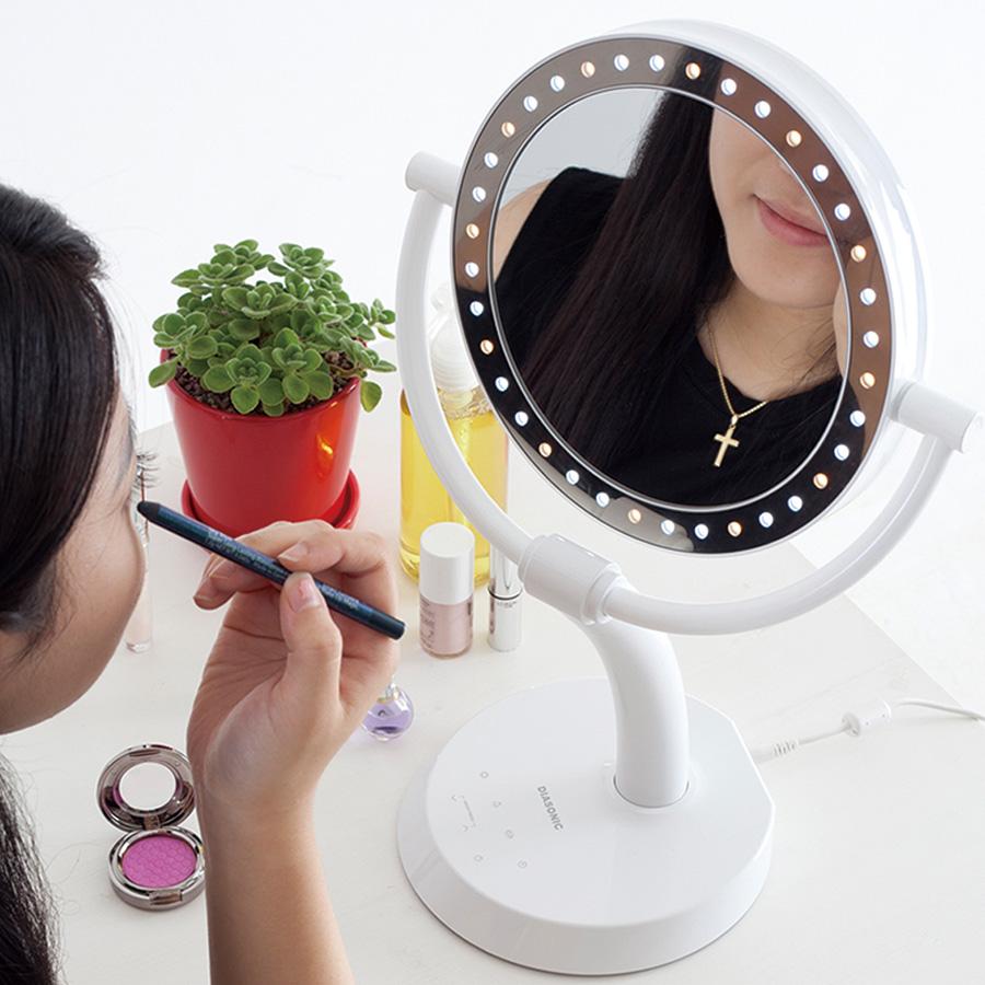 【正規品】LED ダイヤモンドミラーメイクアップ ミラーLED makeup Mirror(万雄 バンユウ Ban-Yu)魔法の鏡片面は7倍の拡大鏡+LEDライトで気になる部分を念入りにチェック!