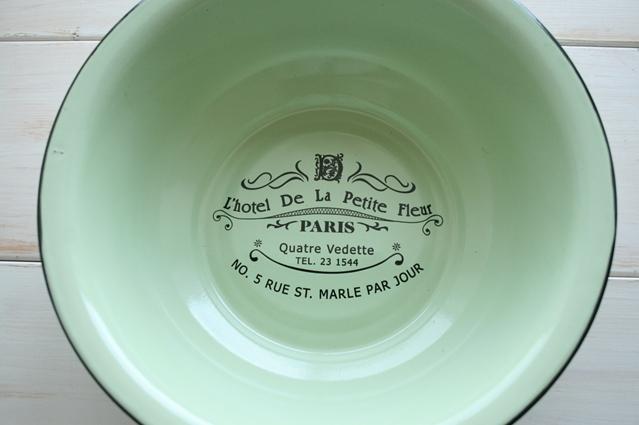 アンティーク風 雑貨 フレンチアンティークな可愛いグリーンの大きめのボウルです! アンティーク風 雑貨 ホーローボウル 洗い桶 フレンチ アンティーク 雑貨 ガーデニング 【エナメル・グリーンボウル】コベントガーデン