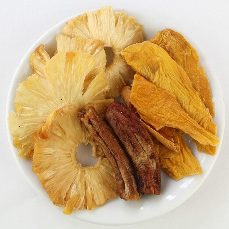 農薬を使わずに生産された果実を使用した お徳用ミックス乾燥パイン パイン ドライ 送料無料 激安 お買い得 キ゛フト 乾燥 内祝い 出産祝い お返し 添加物不使用 砂糖未使用 高級 無添加 ドライマンゴー トロピカルミックス アフリカンドライフルーツ マンゴー 砂糖不使用 S パイナップル 農薬不使用 バナナ ノンシュガー 80g