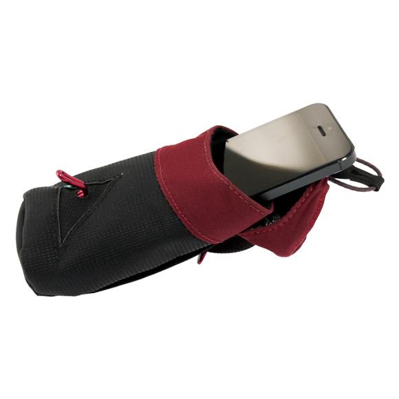 给我 KLATTERMUSEN 和 クレッタルムーセン Communicator 口袋黑色 / 酒红色 Counicator 口袋 4126 乌木胸部的亩剪 クレッタームーセン