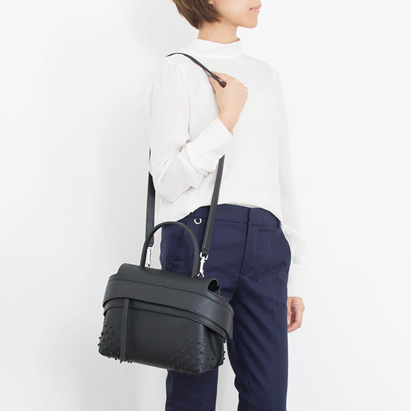 7acfb7741268 トッズ TOD S bag lady 2WAY hand   shoulder bag black TOD S WAVE BAG MINI  XBWAMRWD101MTI B999 NERO