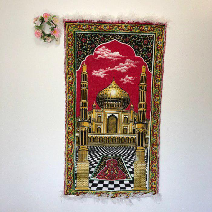 新しいマットで新鮮な気持ちでお祈りを 礼拝用マットSAJADAH MESJID/PRAYING MATT