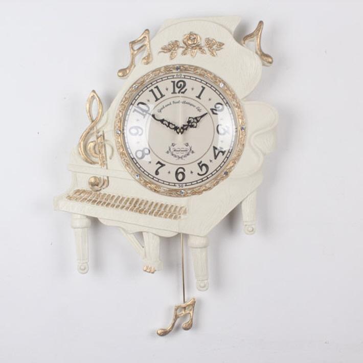 ピアノ掛け時計 (ホワイト)