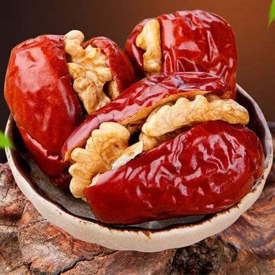 4 320円以上ご購入で送料無料 紅飛 紅棗夾核桃 ドライ赤棗とクルミの組み合わせ 菓子 胡桃入り 18%OFF クルミ 個包装 なつめのくるみはさみ 即納 栄養たっぷり 258g
