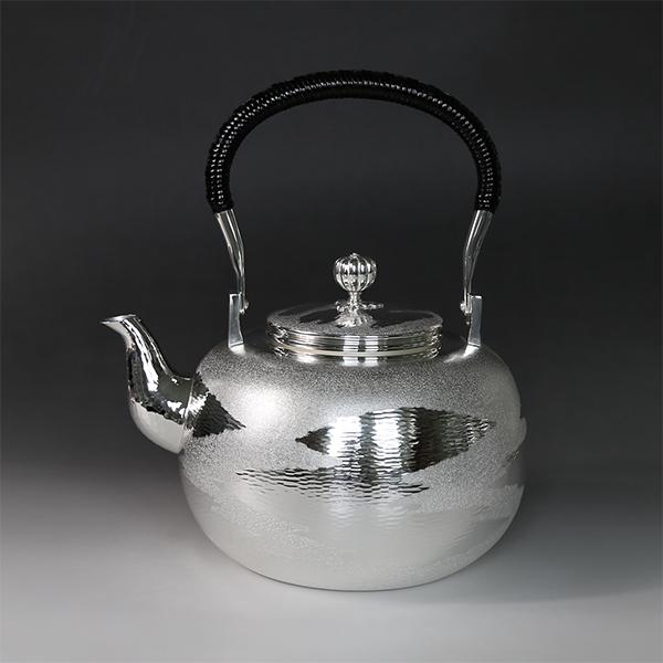 銀川堂 純銀・湯沸し 1800cc 瑞雲模様 /銀瓶 茶器 茶道具/バレンタイン 旧正月 春節