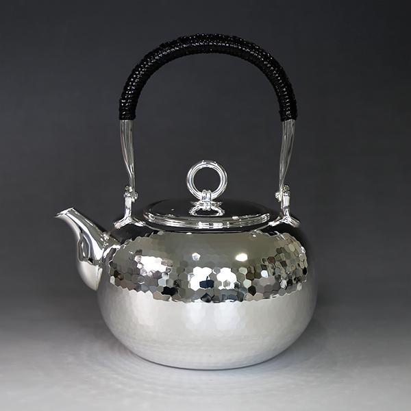 銀川堂 純銀・湯沸し600cc手打ち鎚起模様・S口・リングツマミ /銀瓶 茶器 茶道具/母の日