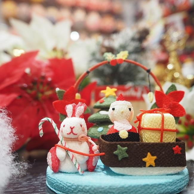 スーパーセール期間限定 小さな四季の置き飾りシリーズ クリスマス 子供の手のひらに乗るくらい小さな置き飾り こんなに小さいのに作りはとっても繊細で驚くほどに丁寧 きれのはな 冬 兎 ウサギ ちりめん 小さい 置き飾り インテリア うさぎ 玄関 オーナメント コンパクト 毎日激安特売で 営業中です ミニチュア 可愛い 南天 プレゼント ポインセチア 星 飾り クリスマスツリー サンタ 置物