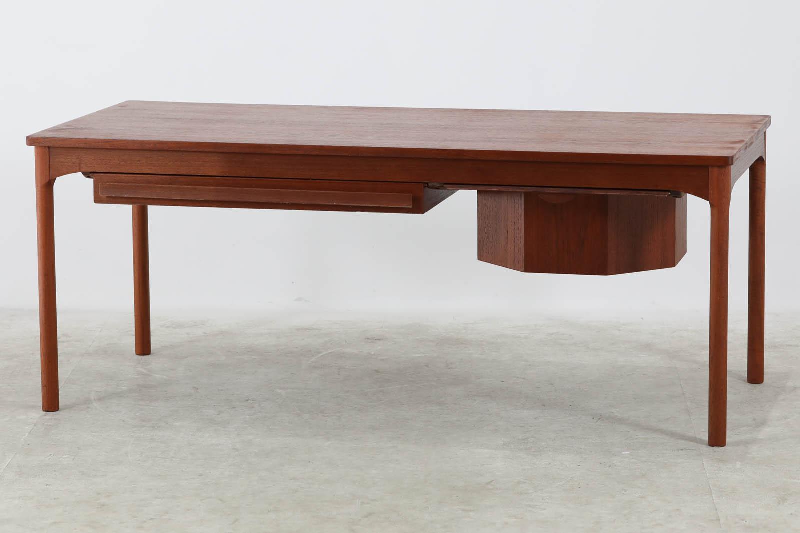 【送料無料】 デンマーク製 大きいサイズのソーイングテーブル 幅130cm チーク材 北欧ビンテージ家具【アンティーク ソファテーブル コーヒーテーブル おしゃれ】