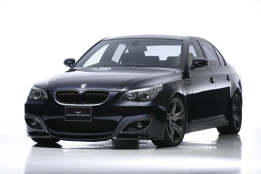 BMW E60 5シリーズ セダン バンパータイプ '04y~ カーボンピラーパネル ヴァルド SPORTS LINE M5 LOOK
