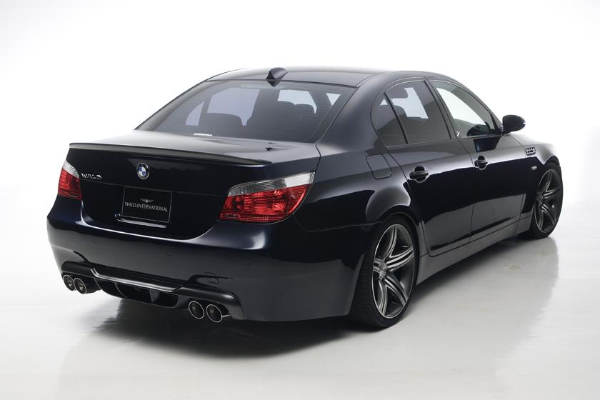 BMW E60 5シリーズ セダン バンパータイプ '04y~ リアバンパースポイラー ヴァルド SPORTS LINE M5 LOOK