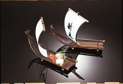 黒竹いかだ帆付船