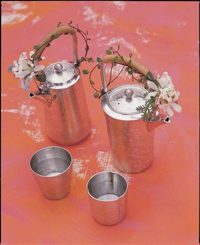 錫製酒器(菊柄)【代引き不可】