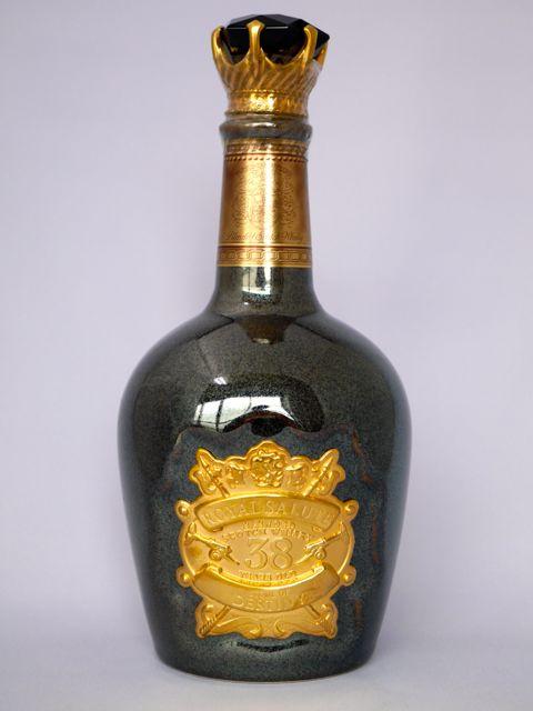 로이야르사르트 38년 STONE OF DESTINY 40도 500 ml (호화 화장 도구 상자들이)