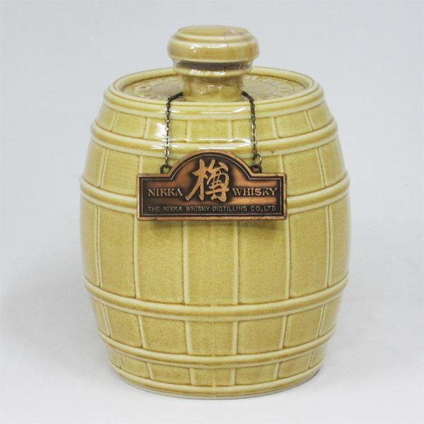 【レトロ:特級表示】ニッカウイスキー「樽」 陶器ボトル 43度 700ml (箱なし)