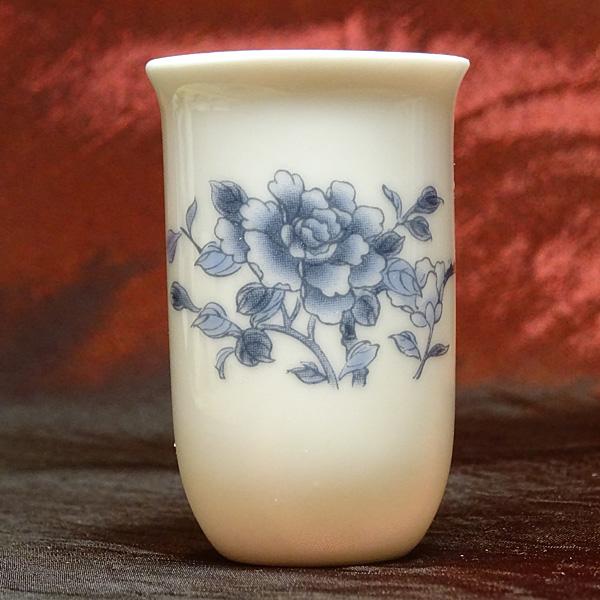 筒状の細身のフォルムが香りを閉じ込める 聞香杯 藍牡丹 中国茶 湯呑 買取 中華 茶器 訳あり品送料無料 香り専用