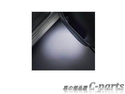 【純正】TOYOTA ESQUIRE トヨタ エスクァイア【ZWR80G ZRR80G ZRR85G】  エントリーライト[08527-28200]