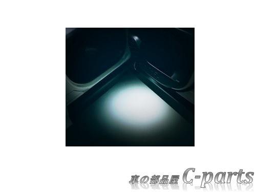 【純正】TOYOTA VOXY トヨタ ヴォクシー【ZWR80W ZWR80G ZRR80W ZRR85W ZRR80G ZRR85G】  エントリーライト[08527-28200]
