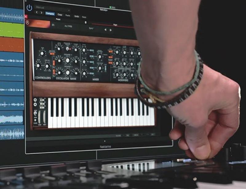 Nektar Technology Panorama T6 61 key MIDI controller keyboard