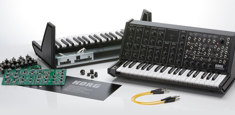 The full size MS-20 analog synthesizer which is assembled by KORG MS-20 Kit analog synthesizer assembling kit KORG oneself