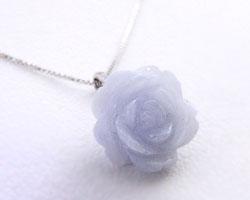 ブルーレース 薔薇(バラ)ネックレス ペンダント【K18ホワイトゴールド(K18WG)】【】【欠品中:製造中止となりました】