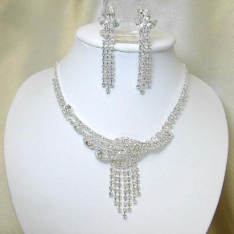 まるで天使の梯子みたい♪美麗なネックレス&イヤリングset