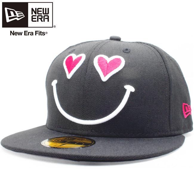 뉴 에러 5950 캐프로고바리에이션즈스마이르하트원라브브락스트로베리 New Era 59 Fifty Cap Logo Variations Smile Heart One Love Black Strawberry