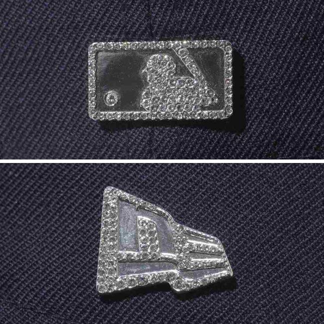 X 新时代 5950 帽水晶标志元素纽约洋基队海军施华洛世奇 (R) × 新时代水晶标志洋基海军施华洛世奇 ® 元素