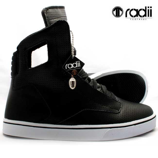 【訳あり】 ラディアイ フットウェア ノーブル FM1026 ブラック パフRadii footwear NOBLE FM1026 Black Perf【あす楽対応_近畿】【あす楽対応_中国】【あす楽対応_四国】【あす楽対応_九州】