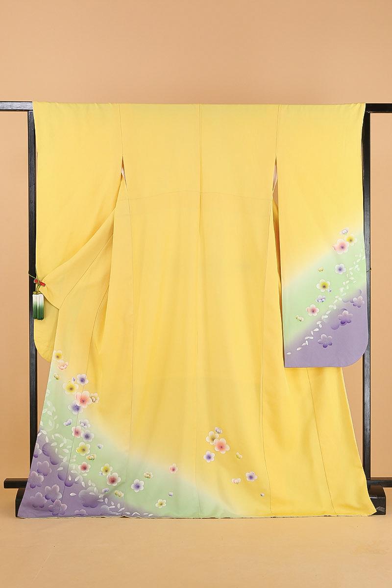 振袖 成人式 送料無料 黄色+薄黄緑+薄紫に梅と桜 正絹 中振袖(MS526)(中古)(USED)(リサイクル)【和装】【着物】【女性】【中振袖】