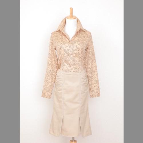 前後ダブルのスリットを取り入れたタイトスカート 至高 腰部分にはギャザーがあり フィット感たっぷり一品です 後ろファスナ- 購入 ダブルスリット付きタイトスカート 中古 nOTES cITRUS
