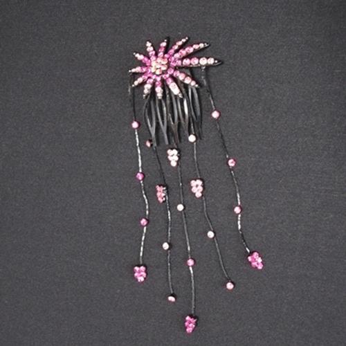 高額売筋 ☆最安値に挑戦 ピンクのストーンをイメージした花火 が可愛く涼しげな印象にまとめてくれます ピンクのストーンたっぷりの髪飾り