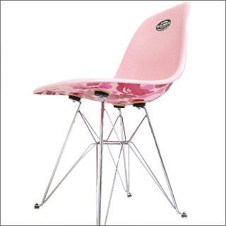 A BATHING APE (エイプ) x 찰스 레이 임 즈 MODERNICA bape camo side chair PINK CAMO 299-000249-013