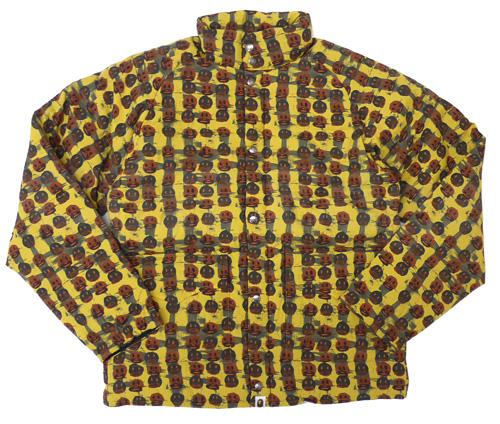 A BATHING APE(에이프) x GARY PANTER 패턴 다운 재킷 MUSTARD 126-000239-058+
