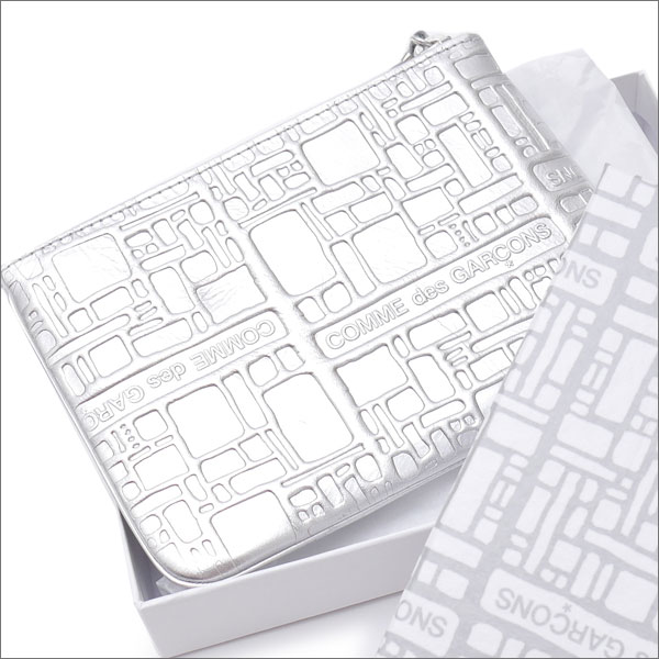 COMME des GARCONS(コムデギャルソン) Wallet Embossed (ウォレット)(財布) SILVER 272-000155-012x【新品】