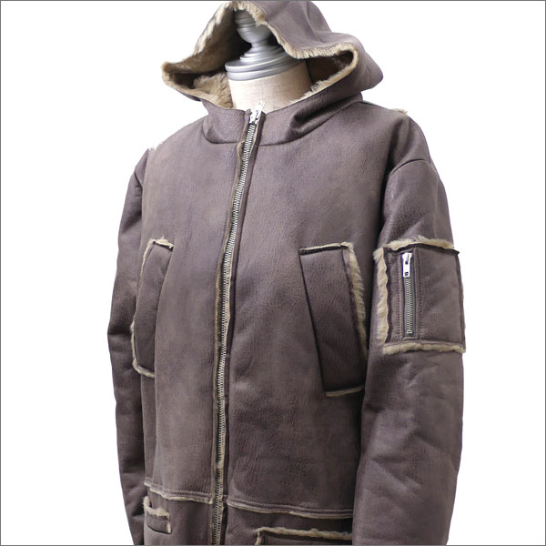 GOSHA RUBCHINSKIY(ゴーシャ・ラブチンスキー) Hooded Sheepskin Coat (コート) BEIGE 420-000064-046+【新品】