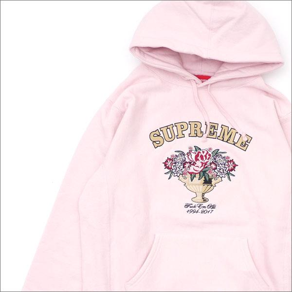【合計15,000円(税抜)以上のお買い上げでステッカープレゼント!】 SUPREME(シュプリーム) Centerpiece Hooded Sweatshirt (スウェットパーカー) PALE PINK 111-001275-043+【新品】