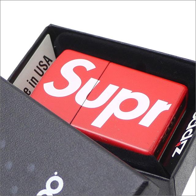 【合計15,000円(税抜)以上のお買い上げでステッカープレゼント!】 SUPREME(シュプリーム) Logo Zippo (ジッポ)(ライター) RED 290-004608-013+【新品】