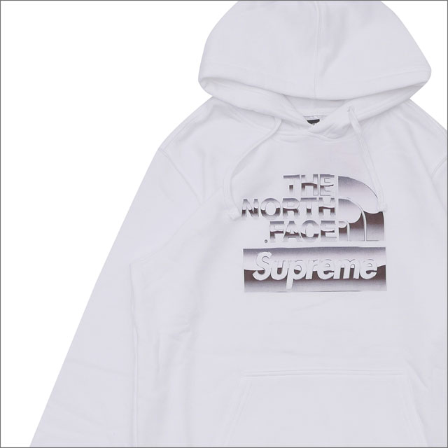 【合計15,000円(税抜)以上のお買い上げでステッカープレゼント!】 SUPREME(シュプリーム) x THE NORTH FACE(ザ・ノースフェイス) Metallic Logo Hooded Sweatshirt (スウェットパーカー) WHITE 209-000517-140+【新品】111-001326-050