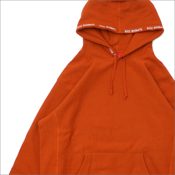 【合計15,000円(税抜)以上のお買い上げでステッカープレゼント!】 SUPREME(シュプリーム) Channel Hooded Sweatshirt (スウェットパーカー) COPPER 418-000324-059+【新品】