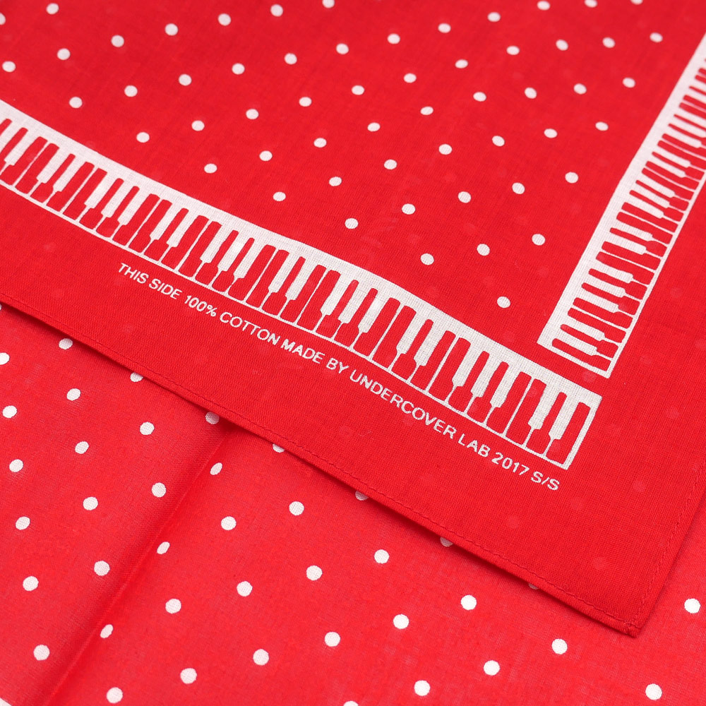 UNDERCOVER(下面覆盖物)PIANO DOT BANDANA(印花大手帕)280-000117-013x