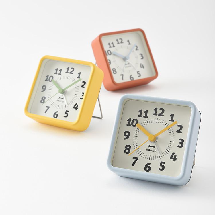 置き時計 ブルーノ レトロポップアラームクロック 壁掛け時計 おしゃれ かわいい 目覚まし時計 デザイン シンプル ポップ インテリア時計 ギフト レトロ 北欧 テレワーク 旅行 テイスト 在宅 アウトレット 新築祝い 在宅勤務 プレゼント 与え