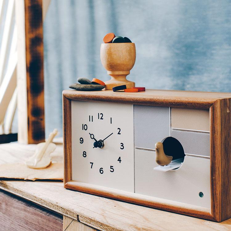 鳩時計 シャルロア 時計 置き時計 掛け時計 壁掛け時計 兼用 ハト時計 バードクロック ナチュラル シンプル おしゃれ かわいい 鳥 インテリア 木 設定 新生活 壁掛けフック特典有 子供部屋 木製 期間限定 プレゼント ボックス 贈り物 パステル 無料 北欧 時報 デザイン